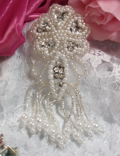 "Silver & Pearl Dangle 4.5"" Sequin Beaded Applique 0103"