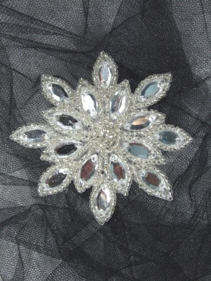 XR32  Clear Jewel Snowflake Silver Beaded Rhinestone Applique 3""