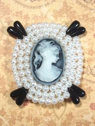 0387 White & Black Victorian Cameo Beaded Applique  2.75""
