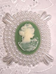 0387  White & Green Victorian Cameo Beaded Applique 2.75""