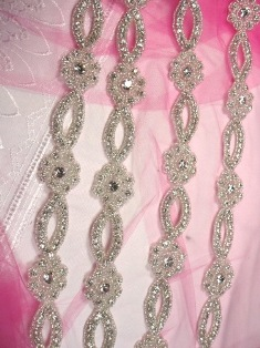 "RM0429-SLCR-32"" REMNANT  Crystal Clear Glass Rhinestone Silver Beaded Floral Trim"