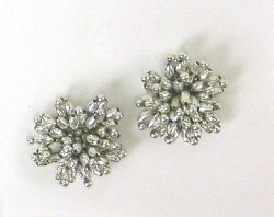 E1019 (Set of 2) Silver Mini Beaded Flower Appliques 1.25&quot;
