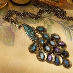 "GB29 Unique Vintage Turquoise Gemmed Peacock Dangle Necklace Chain 26"""