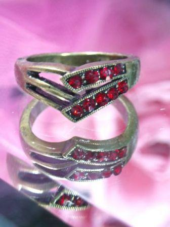 628  Red Antique Gold Vintage Rhinestone Ring sz. 7.75