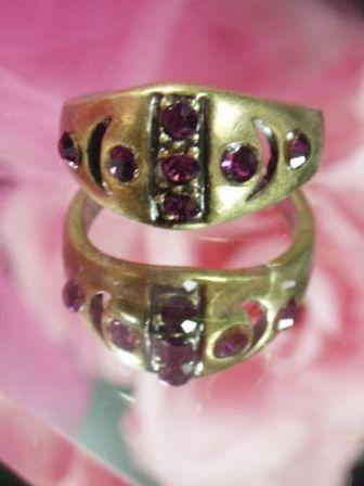 637  Purple Rhinestone Antique Gold Vintage Ringsz. 10.25