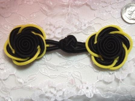 0250  Black & Yellow Frog Button Closure 3.75""
