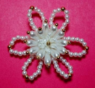 """K9273 Pearl And Gold Floral Beaded Applique 3"""""""