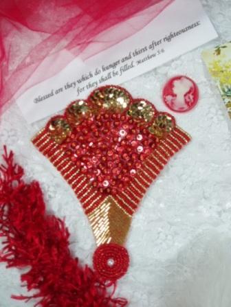 0376  Red/Gold Fan Epaulet Sequin Beaded Applique