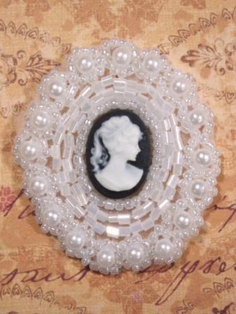 0384 White & Black Victorian Cameo Beaded Applique 1.75""