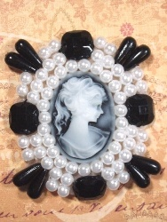 0386  White & Black Jewel Pearl Cameo Beaded Applique 2.75""