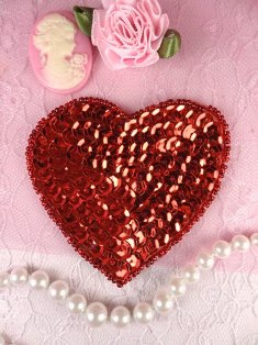 MS48 Red Heart Beaded Sequin Applique 2.75""