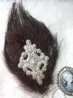 FB44 Brown Feather Crystal Rhinestone Applique Brooch 7&quot;