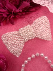 FS325 Bow Applique White Pearl Beaded 3.0""