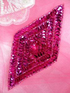"""FS475L Fuschia Diamond Sequin Beaded Applique 5"""""""