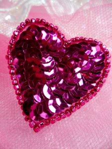"FS510 Fuschia Valentine Heart Sequin Beaded Applique 1.5"""