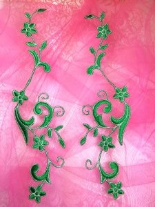 GB90 Embroidered Appliques Green Silver Flower Mirror Pair Vine Iron On 9""