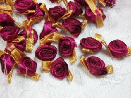 L7K  Set of (20) Burgundy Gold Ribbon Rose Appliques