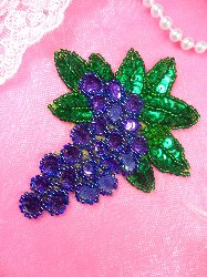 LC1574 Clusters of Grapes Beaded Sequin Grapes Applique 4""
