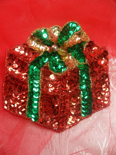 """LC1579 Red Christmas Gift Applique Beaded Sequin Patch 3.5"""""""