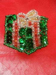 """LC1582 Green Christmas Gift Applique Beaded Sequin Patch 1.25"""""""