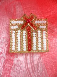 """LC1611 Gold & White Christmas Gift Applique Beaded Sequin Patch 1.25"""""""