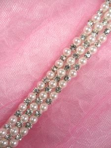 N62 White Pearl Beaded Crystal Clear Rhinestone Trim