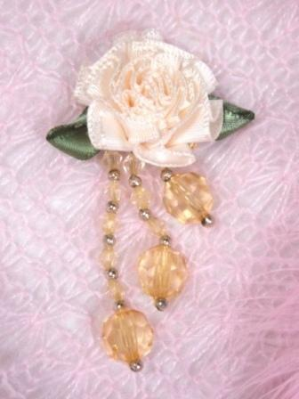 VD20  Ivory/Gold Floral Dangle Beaded Applique 2.5""