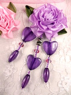 VD32  Lavender Purple Heart Floral Dangle Beaded Applique