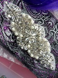 XR249 Bridal Motif Silver Crystal Clear Rhinestone Applique w/ Pearls 6""