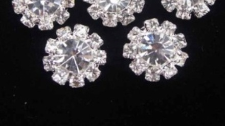 GB265 (Set of 2 ) Floral Crystal Clear Glass Rhinestone Embellishment Metal Back