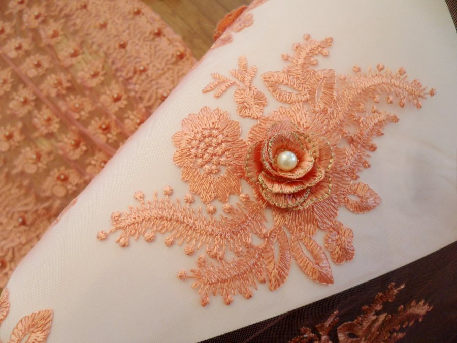 3D embroidered applique fabric