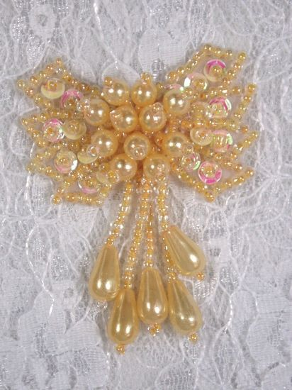 0036  Yellow Pearl AB Bow Sequin Beaded Applique 2.5\
