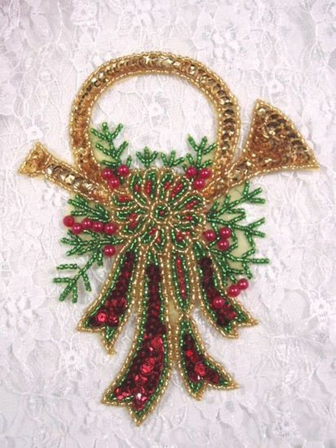 Christmas Wreath Sequin Applique Musical Horn Beaded Patch Holiday Stocking Decoration
