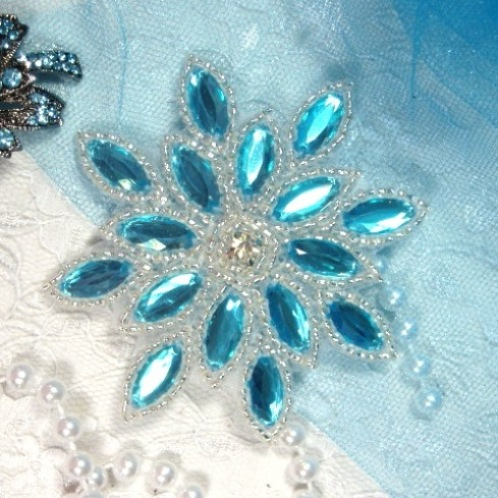 XR32 Turquoise Silver Snowflake Jewel Beaded  Applique 3