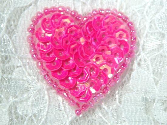 0362  Hot Neon Pink Heart Beaded Sequin Applique 1\ +
