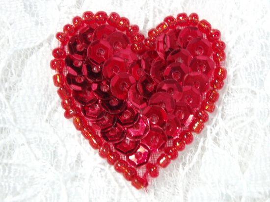 Sequin beaded applique heart red valentine