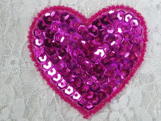 0363  Fuchsia Heart Beaded Sequin Applique 2