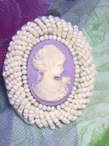 0383  Ivory Lavender Victorian Cameo Beaded Applique 2