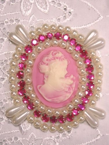 0388  Ivory  Pink Victorian Cameo Pink Rhinestone Beaded Applique 2.75