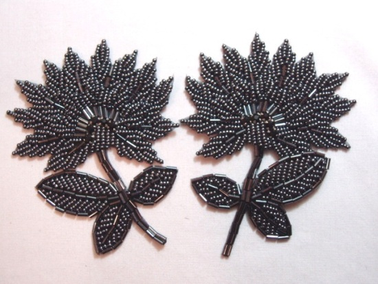 K8273  Gunmetal Floral Mirror Pair Beaded Appliques 3.5\