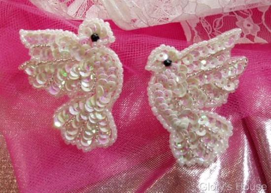 0100 Ivory AB Dove Mirror Pair 2  Sequin Beaded Appliques