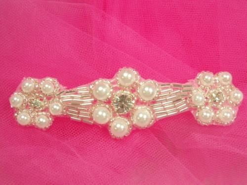A0428C  Silver Beaded White Pearl Floral Rhinestone Applique 4.25