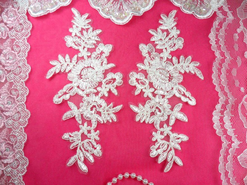 Mirror Pair White Floral Venise Lace Embroidered Appliques 8 (BL86)