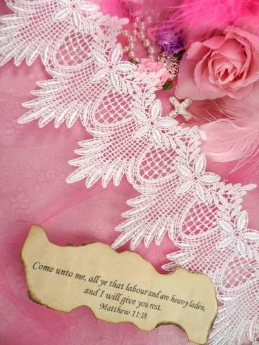 "C149 White Floral and Scallop Victorian Venice Lace Trim  4.5"""