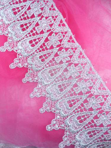 C188 Elegant Silver Metallic Cross Victorian Venice Lace Trim  4