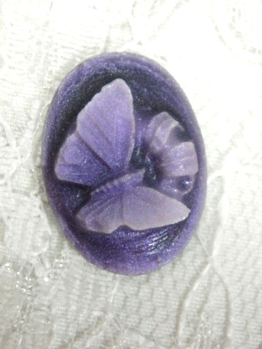 CB28  Purple Butterfly Victorian Cameo Bead .75\
