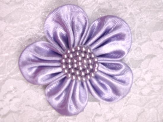 L11  Lavender Pearl Flower Applique 2.5