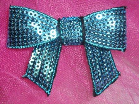 DE1   Dimensional Bow Iron On Turquoise Sequin Applique 2.5