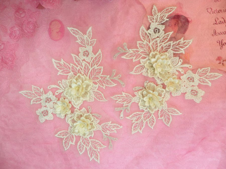 Beautiful NEW ARRIVAL 3D Embroidered Lace Appliques Ivory Floral Venice Lace Mirror Pair 7.5 BL133x