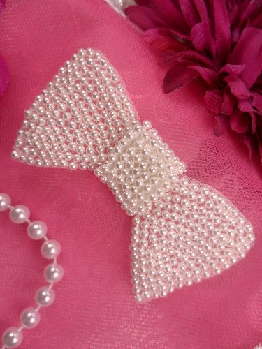 FS325 Bow Applique White Pearl Beaded 3.0\